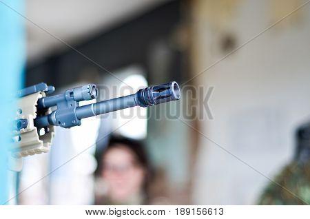 Rifle gun barrel muzzle crown aim target