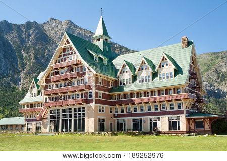 The Beautiful Historic Prince of Wales Hotel In Alberta