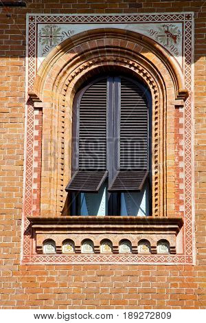 Window  Varese   Mornago      Sunny