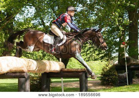 Houghton International Horse Trials Wayne Garrick Riding Uptown Girl V1
