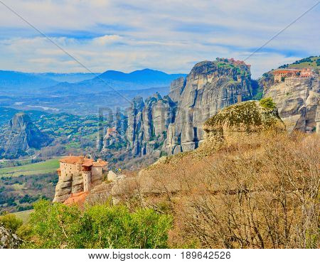 Meteora is one of the largest and most precipitously complexes of Eastern Orthodox monasteries in central Greece. The six monasteries are built on natural conglomerate pillars.