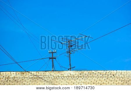 Old Technology Of Tv Antenna