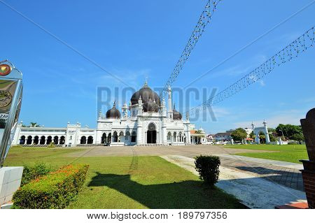 The most beautiful Zahir mosque in Kedah Malaysia. The Zahir Mosque is Kedah's state mosque. It is located in the heart of Alor Star, the state capital of Kedah, Malaysia. It is one of the grandest and oldest mosques in Malaysia, built in 1912.
