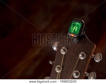 tuner for Guitar A sound Fifth String clip on guitar head