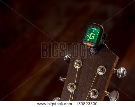 tuner for Guitar G sound third string clip on guitar head