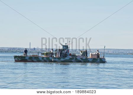 VOLGOGRAD - MAY 29: Reconstructed by enthusiasts from Togliatti warship during the second world war sailing on the Volga. May 29 2017 in Volgograd Russia.