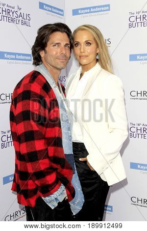 LOS ANGELES - JUN 3:  Greg Lauren, Elizabeth Berkley at the 16th Annual Chrysalis Butterfly Ball at the Private Estate on June 3, 2017 in Los Angeles, CA