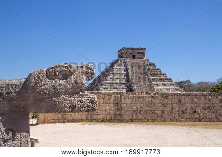 Mayan Pyramid Kukulcan  At Chichen Itza, Yucatan, Mexico