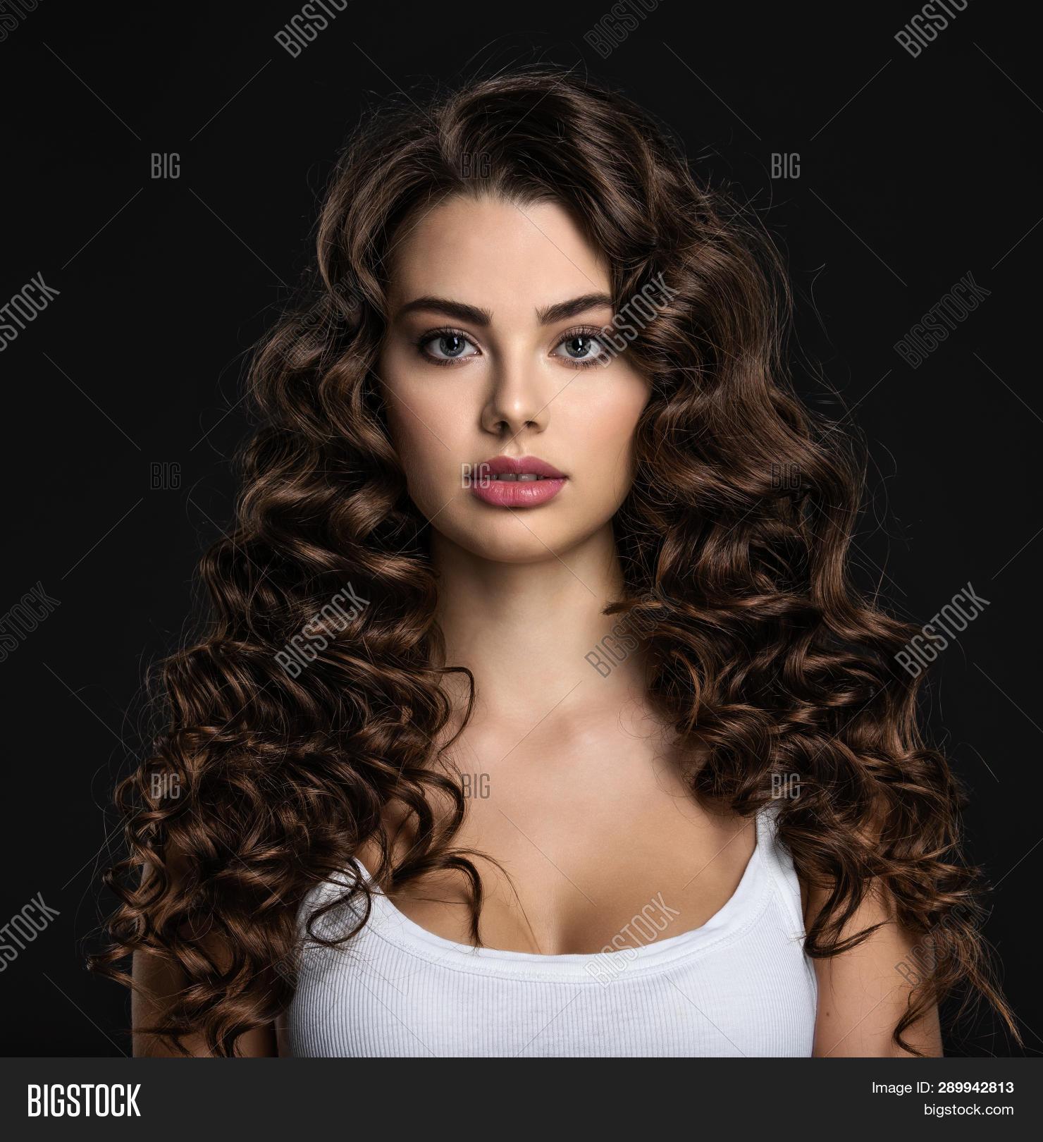 Short Hair Brunette Dildo