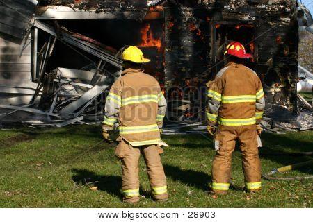 2 Firemen