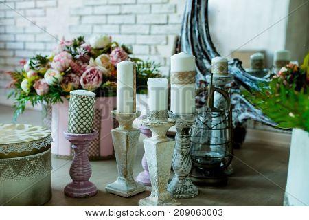 Shabby Chic Room Interior. Wedding Decor, Room Decorated For Shabby Chic Rustic Wedding, With Many C