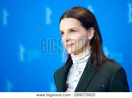 Juliette Binoche poses at the International Jury photocall during the 69th Berlinale International Film Festival Berlin at Grand Hyatt Hotel on February 07, 2019 in Berlin, Germany.