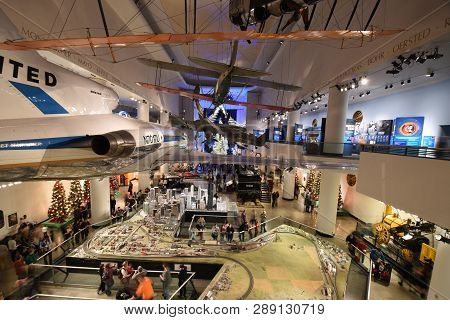 December 15, 2018, Chicago, Il Museum Of Science And Industry Transportation Gallery With A Boeing 7