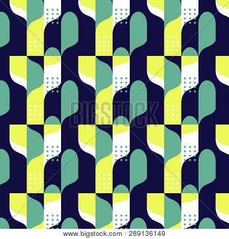 Geometric Pattern. Seamless Abstract Pattern With Triangles. Modern Geometric Background. Vector Bac