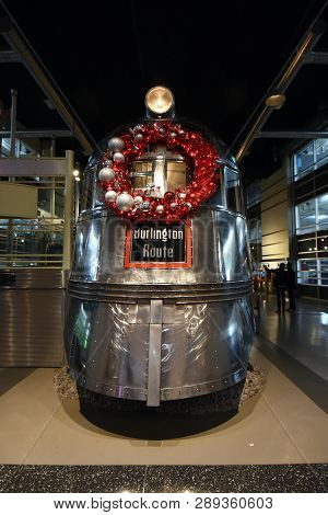 Chicago, Il, Usa - December 15, 2018: The Museum Of Science And Industry, Pioneer Zephyr Train, Rout