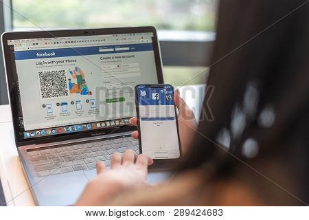 Bangkok, Thailand-february 26, 2019: Facebook Social Media App Icon Signup Page On Iphone X Mobile S