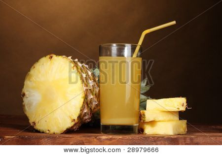 ?ineapple juice and pineapple on brown
