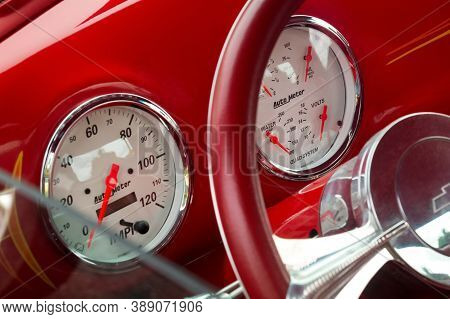Toronto, Canada - 08 18 2018: Auto Meter Dials For Speed, Fuel, Oil, Water, Volts On Front Panel Of