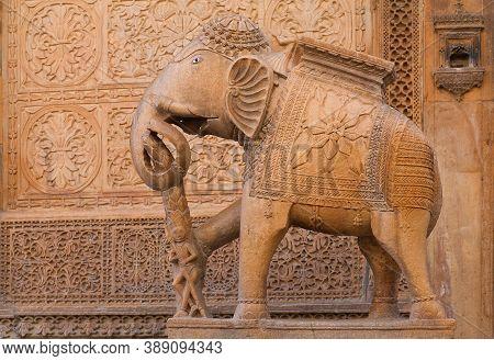 Jaisalmer, Rajasthan, India - January 9, 2020: Ancient Sandstone Bas-relief At Nathmal Ki Haveli And