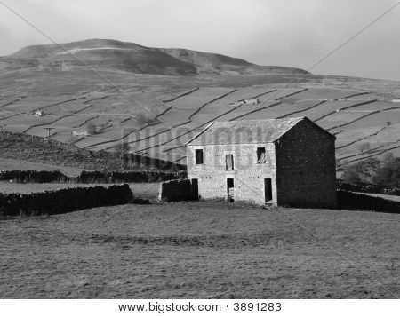 Derelict Farm Buildings In North Yorkshire