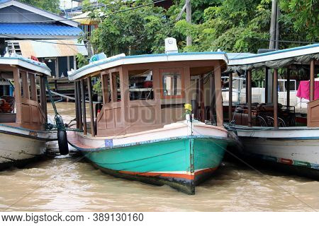 Nonthaburi, Thailand - July 29, 2017 :  Front Of Wooden Passenger Boat In Chao Phraya River, It Brin