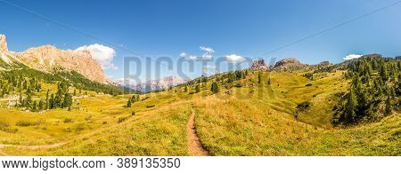 Panoramic View At The Tofana Di Rozes And  Averau Peak In Dolomites - South Tyrol, Italy