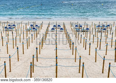 Sanxenxo, Spain - August 18, 2020: Empty Silgar Beach In Sanxenxo During The Outbreak Of The Covid 1