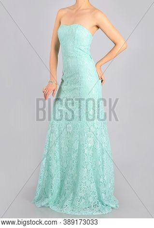 Beautiful Long Green Dress And Clutch The Girl In Studio