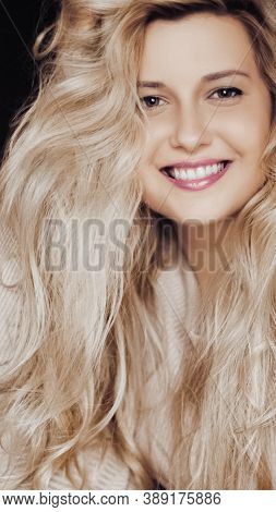 Beautiful Woman Smiling, Long Blonde Hairstyle And Natural Makeup Look, Beauty And 90S Style Fashion