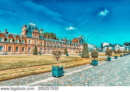 Fontainebleau, France - July 09, 2016 : Suburban Residence Of The France Kings - Beautiful Chateau F