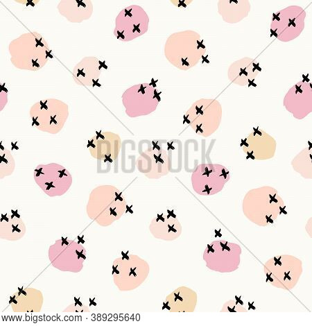 X\'s And O\'s Abstract Kisses Seamless Vector Pattern. Blush Cheeks Abstract Circles With X Marks Fo