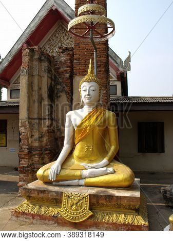 Ayutthaya, Thailand, January 24, 2013: Golden Buddha In One Of The Temples Of Ayutthaya, Ancient Cap