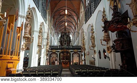 Bruges, Belgium - May 12, 2018: View Of The Interiors Of Church Of Our Lady On Mariastraat