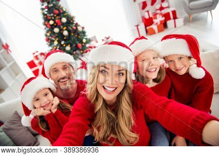 Full Family X-mas Eve Tradition Event. People Mom Dad Three Preteen Little Kids Make Selfie Chatting