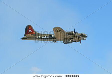 B-17 Making A Low Pass
