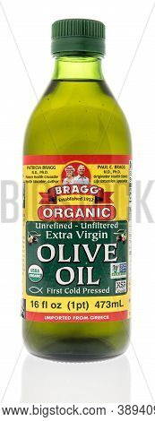 Winneconne, Wi - 6 October 2020:  A Bottle Of Bragg Olive Oil On An Isolated Background.