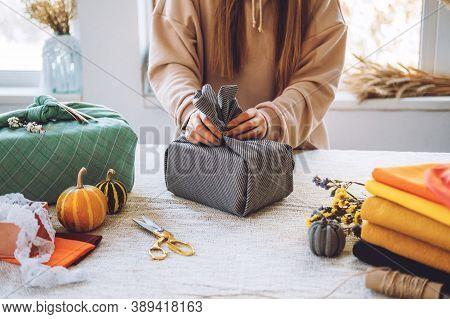 Furoshiki Japanese Gift Wrapping. Thanksgiving Zero Waste, Eco-friendly Gift Wrapping Process, Tutor