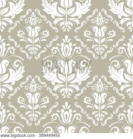 Classic Seamless Vector Pattern. Damask Orient Ornament. Classic Vintage Beige And White Background.
