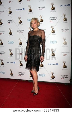 LOS ANGELES - SEP 21:  Elisabeth Moss arrives at the Primetime Emmys Performers Nominee Reception at Spectra by Wolfgang Puck on September 21, 2012 in Los Angeles, CA
