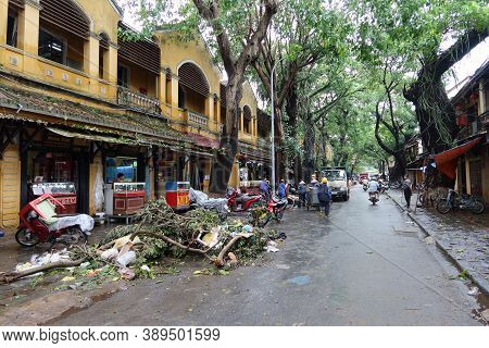 Hoi An, Vietnam, October 13, 2020: Hoi An City Recovers From Severe Flooding Caused By A Tropical St