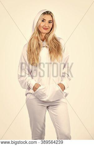 Impeccable Style. Street Fashion. Trendy Sportswear. Sport Style. Feel So Sporty. Fitness Woman Wear
