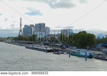 Paris, France. October 04. 2020. Modern Buildings. View Of The Seine River And The Commercial Distri