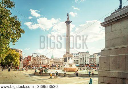 london trafalgar square, sunny day, UK