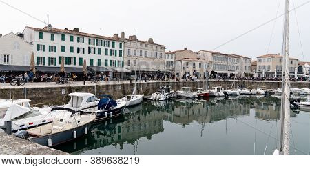 Saint Martin De  Re, Charente Maritime / France - 05 01 2019 : Panorama View Of St Martin De Ré Port