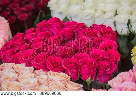 Large Bouquets Of Roses In Different Colors