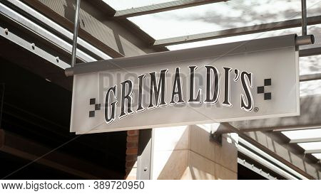 Scottsdale,Az/USA -10.12.20:  Grimaldi's Pizzeria, established in 1990 is an American pizzeria chain from the New York City area known for coal-fired brick oven pizza.