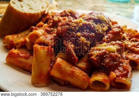 Bolognese Braciola With Rigatoni And Sliced Crusty Bread