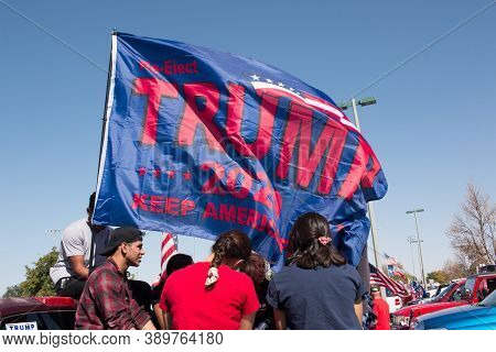 El Paso, Texas Usa-october 10, 2020: Local Trump Supporters In El Paso, Holds Rally In Eastwood Park
