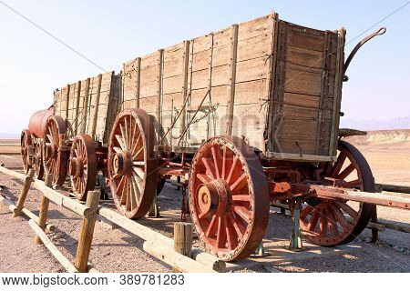 October 5, 2020 In Death Valley National Park, Ca:  Vintage Wooden Wagon To Carry Supplies And Borax