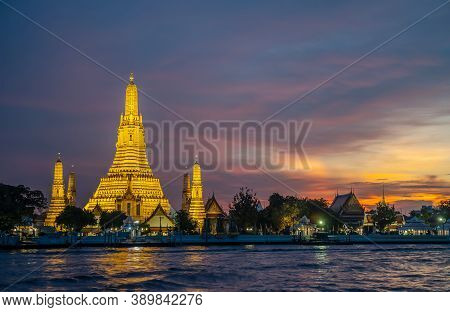 Beautiful View Of Wat Arun Temple At Sunset In Bangkok Thailand. Wat Arun Is A Buddhist Temple In Ba
